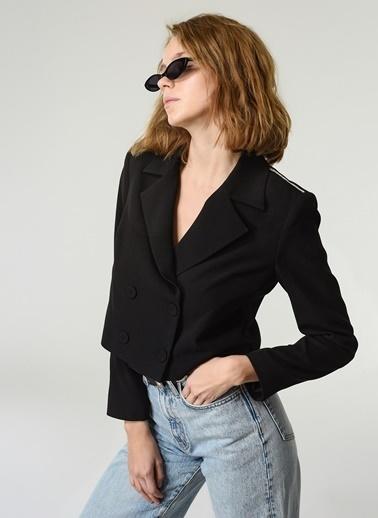 NGSTYLE NGSTYLE Kadın Omuzu Nakış Detaylı Düğmeli Şık Ceket Siyah